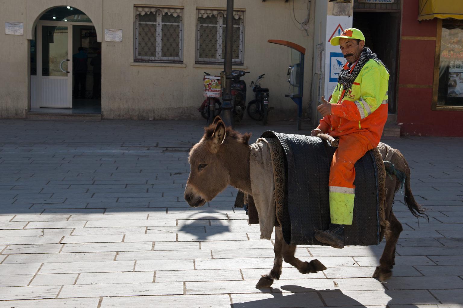 Public Worker Morocco